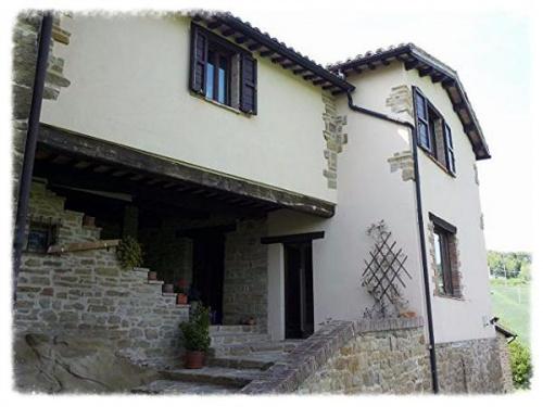 Casa di campagna a Camerino