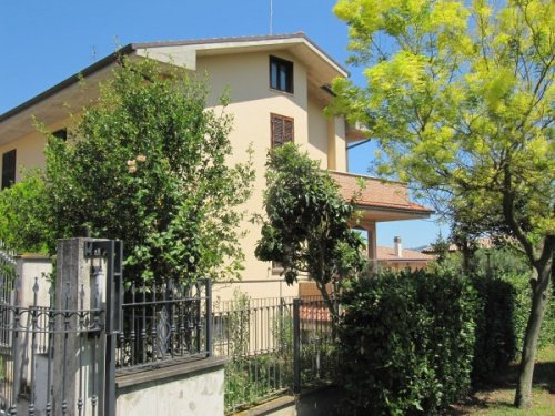 Hus i Colli del Tronto
