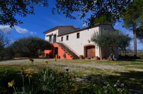 Farmhouse in Treia