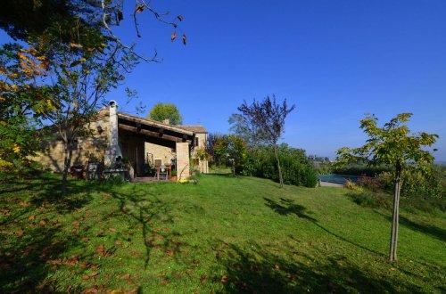 Klein huisje op het platteland in Gualdo