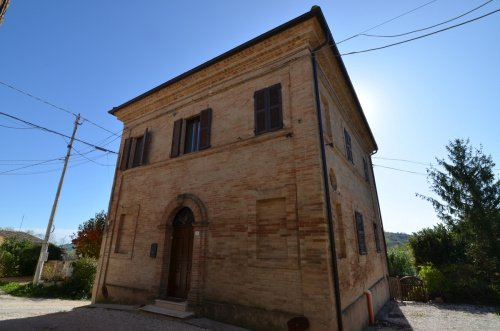 Huis in Penna San Giovanni