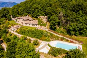 Klein huisje op het platteland in Camerino