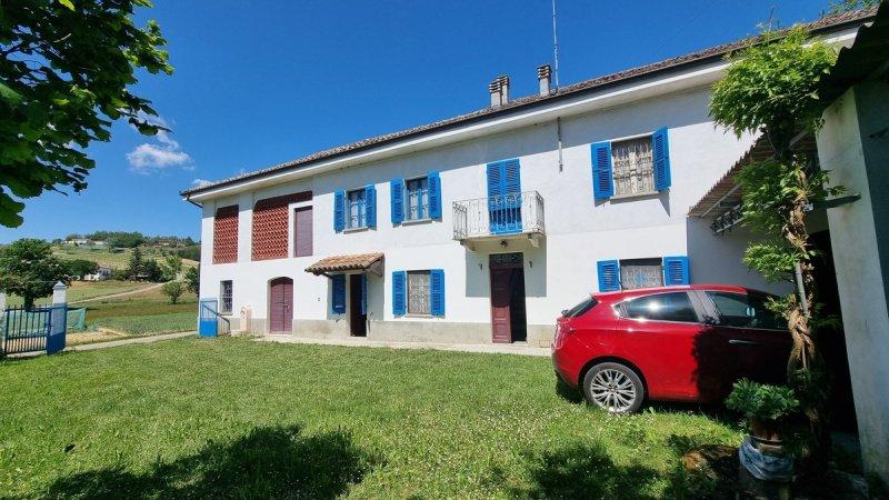 Casa independiente en Castelnuovo Calcea