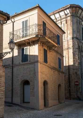 Villa a Montelupone