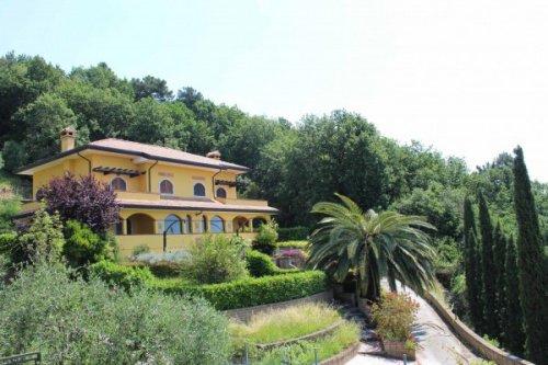 Casa a Carrara