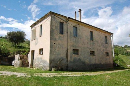 Haus in Castignano