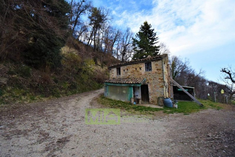 Casa en Santa Vittoria in Matenano