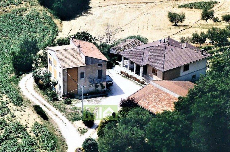 Villa in Montegiorgio
