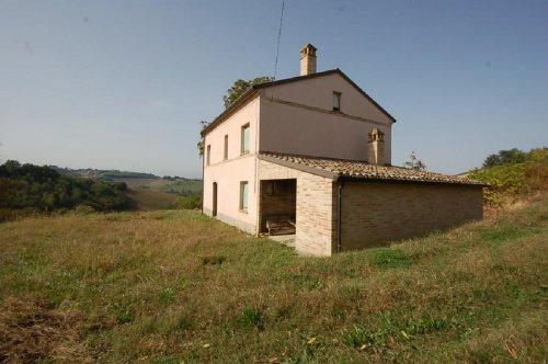 Bauernhaus in Montottone