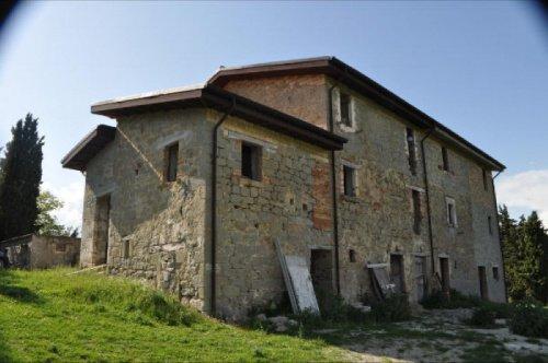 Casa en Roccafluvione