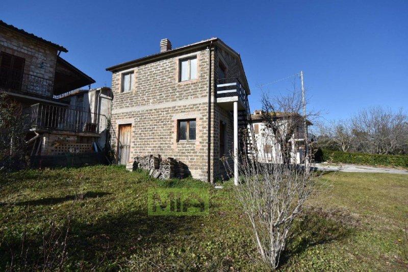 Gewerbeimmobilie in Sarnano