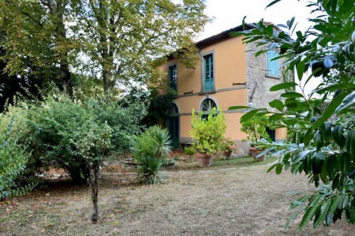 Historiskt hus i Castiglione di Garfagnana