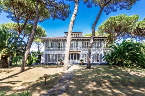 Villa in Massa