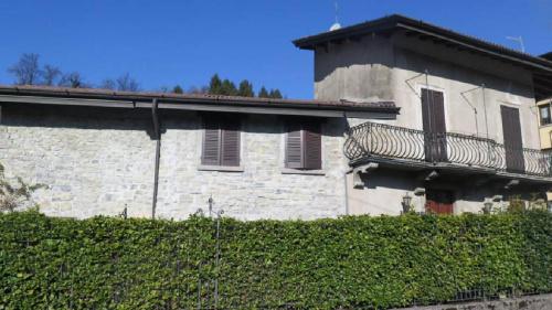 Hus i Alta Valle Intelvi