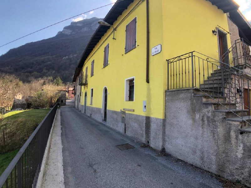 Detached house in Grandola ed Uniti