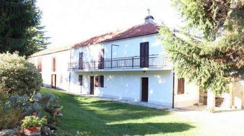 Hus på landet i Roccaverano