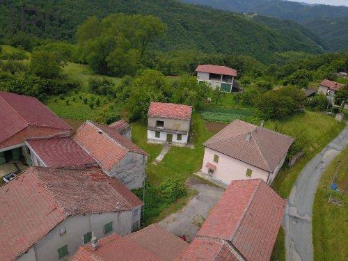 Casa a Pezzolo Valle Uzzone