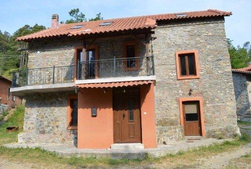 Casa en Giusvalla