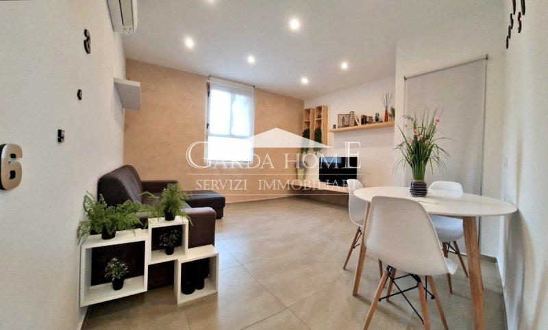 代森扎诺-德尔加达公寓