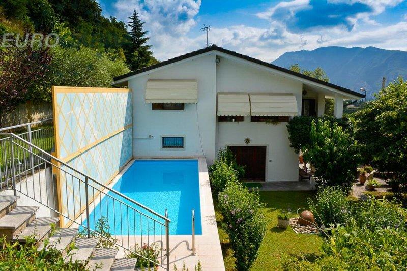 Villa in Caprino Veronese