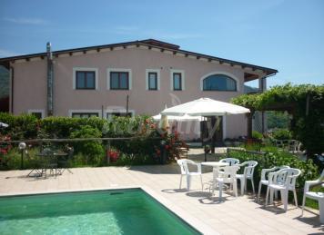 Hus i Montebuono