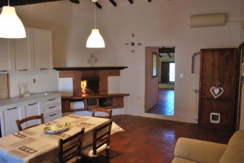 Квартира в Кастильоне-делла-Пеская