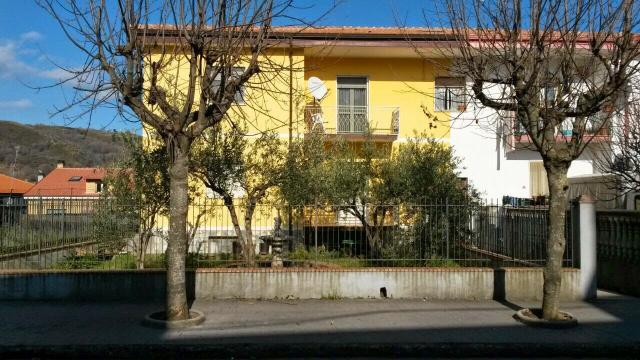Особняк из двух квартир в Оливади