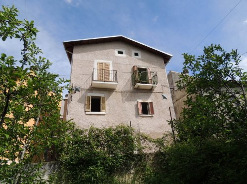 Detached house in Collepietro