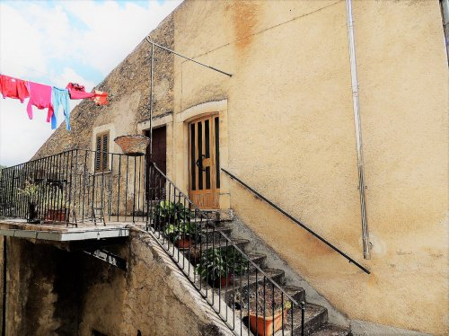 Casa indipendente a San Benedetto in Perillis