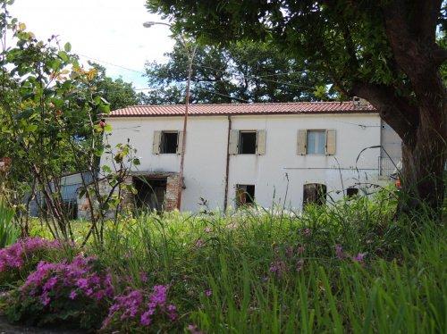 Maison à San Valentino in Abruzzo Citeriore