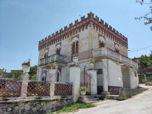Historisches Haus in Capestrano