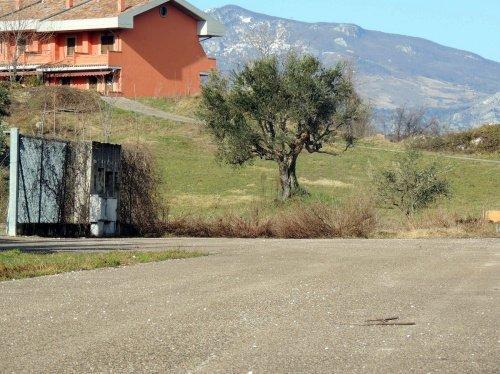 Terrain constructible à San Valentino in Abruzzo Citeriore