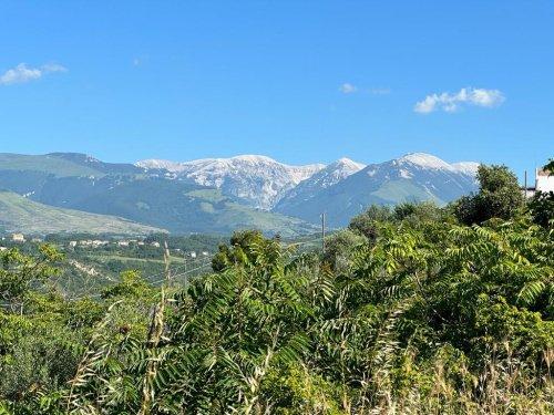Byggtomt i San Valentino in Abruzzo Citeriore