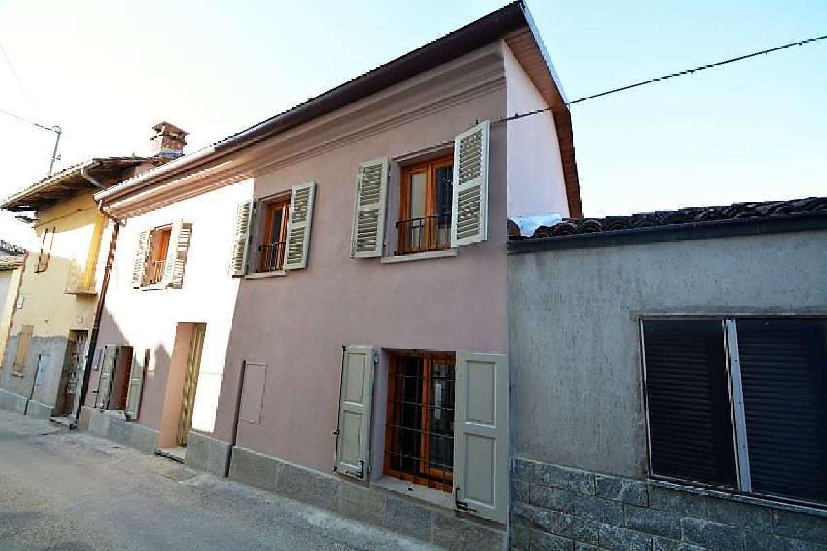Casa semi-independiente en Pino d'Asti