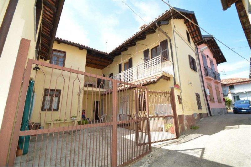 Doppelhaushälfte in Pino d'Asti