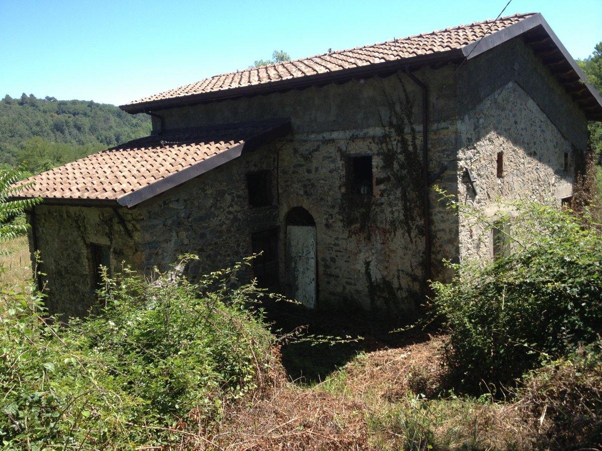 Hus på landet i Tresana