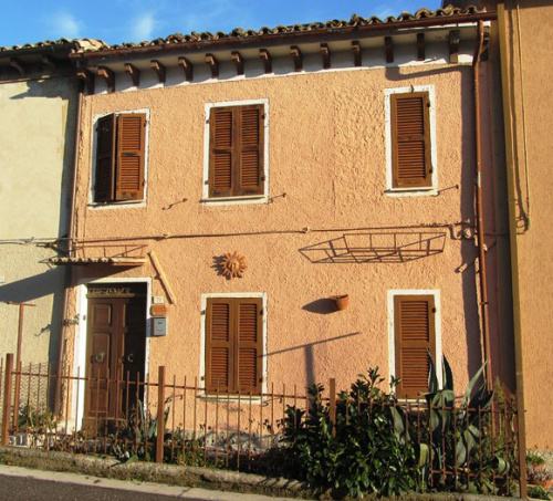 Casa indipendente a Fratte Rosa