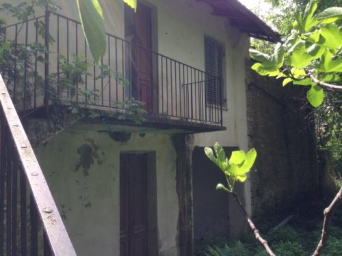 Huis op het platteland in Cortemilia