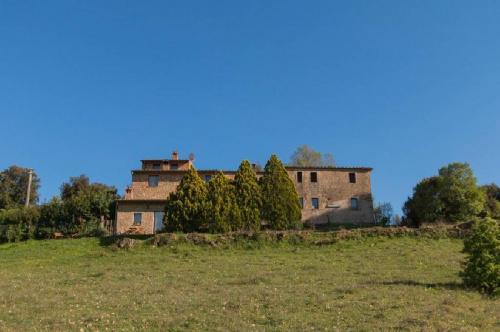 Klein huisje op het platteland in San Gimignano