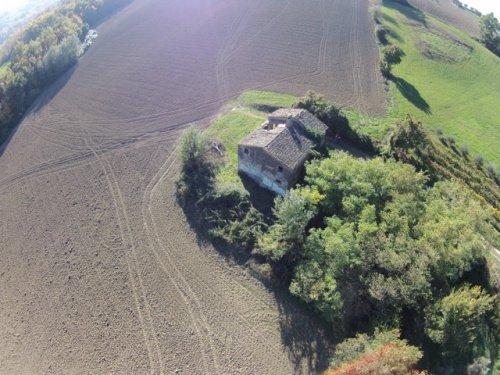 Casolare a Monte San Martino