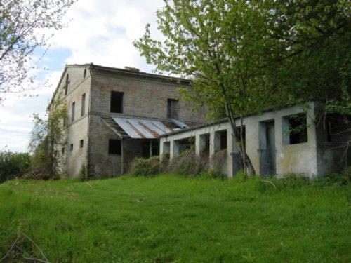 Casa de campo en Falerone