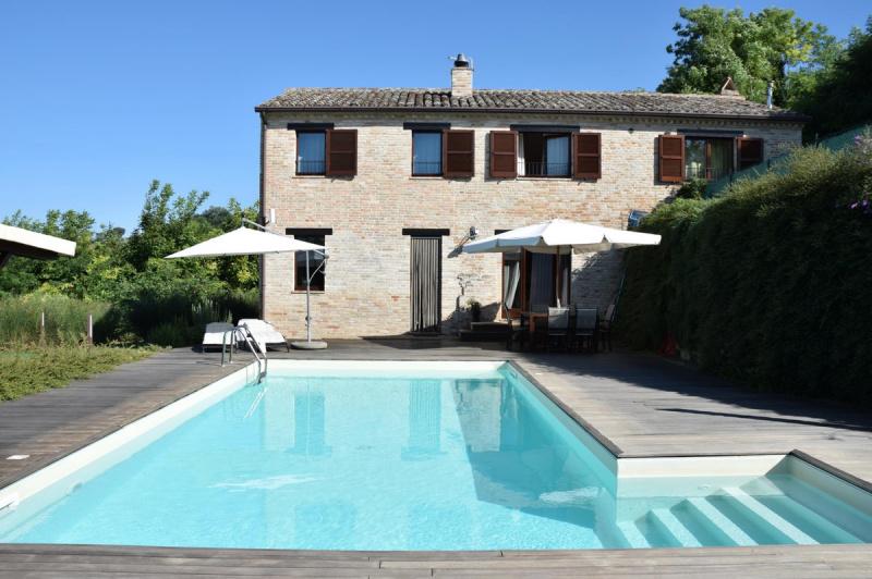 Villa in Montottone