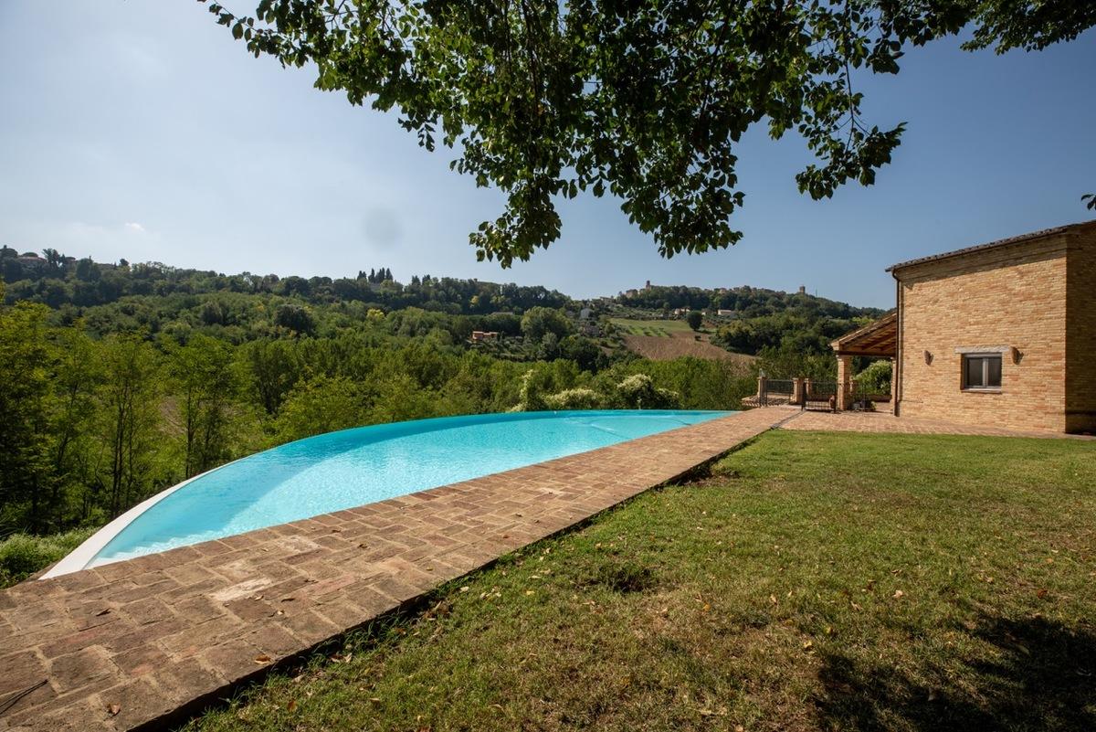 Villa a Mogliano