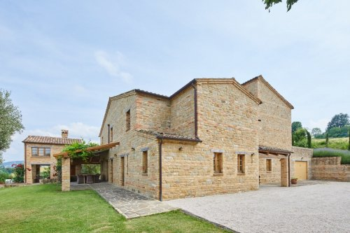Villa in Monte San Martino