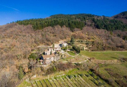 Farmhouse in Scarperia e San Piero