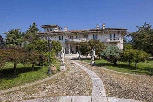 卡斯特雷扎托别墅