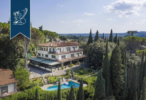 Commercial property in Florence