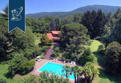 Villa in Ello
