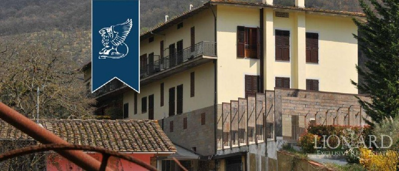 Commercial property in Calenzano