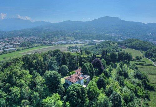 Villa i Sirone